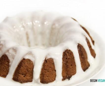 Bundt cake vegano de nueces