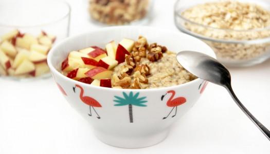Oatmeal (gachas) con manzana y nueces