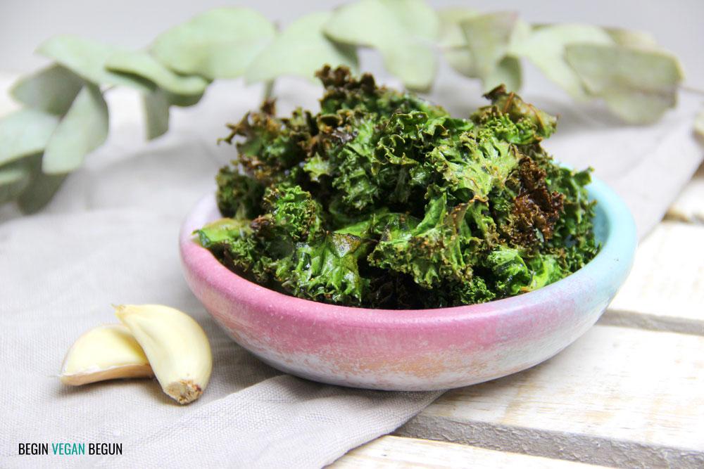 chips de kale con ajo y pimienta