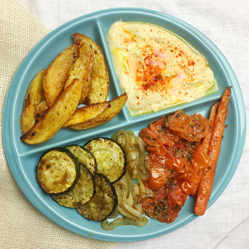 Plato completo: verduras y patatas asadas con hebra