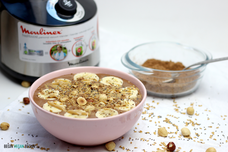 Smoothie bowl de plátano, chocolate y crema de cacahuete