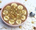 Smoothie bowl de plátano, chocolate y crema de cacahuete
